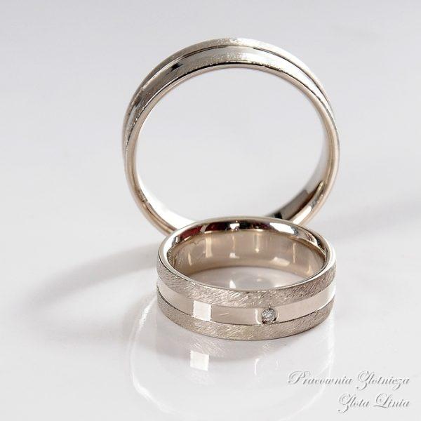 Obrączki płaskie, z białego złota szczotkowane minimalistyczne