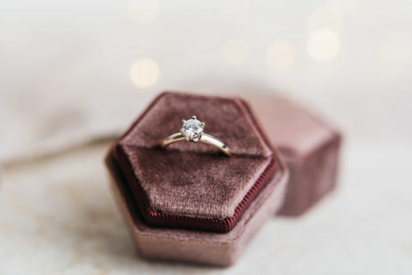 pierścionek klastyczny 0,50 ct